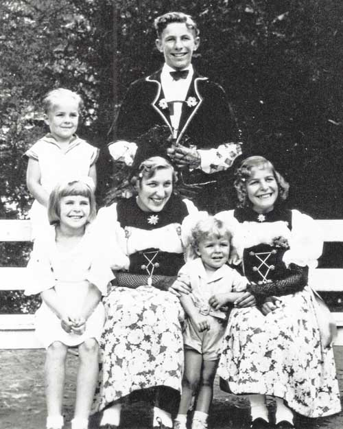 Fraunfelder children in the late 1930s