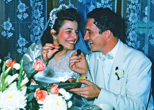 Ruth Fraunfelder marries Dick Buckley, 1950